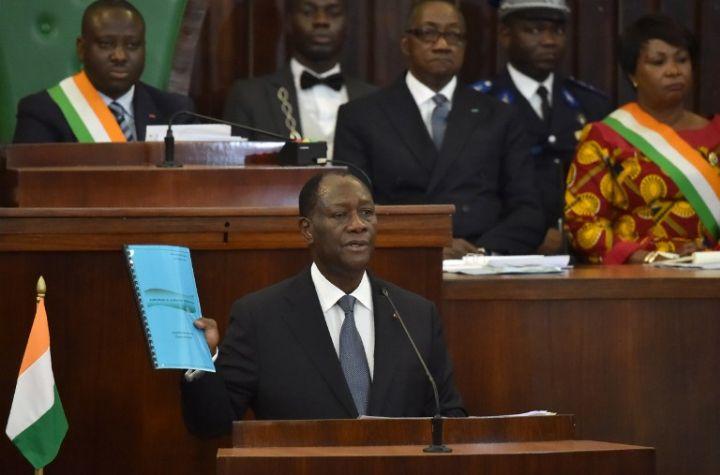 La nouvelle constitution fait-elle régresser politiquement la Côte d'Ivoire?