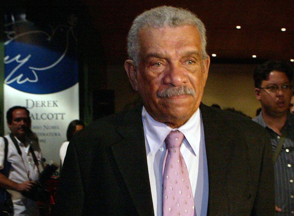 Mort du poète Derek Walcott, chantre de la Caraïbe