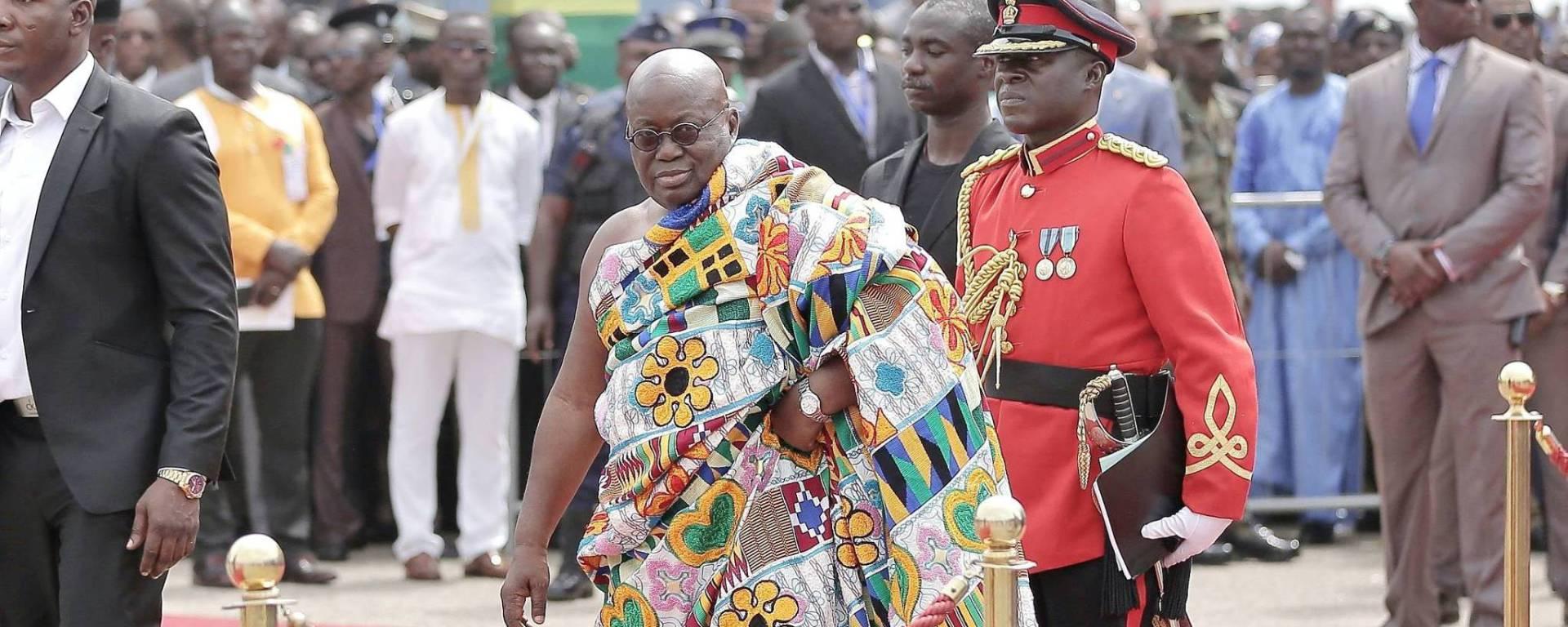 110 ministres pour un pays comme le Ghana, it's too  much!