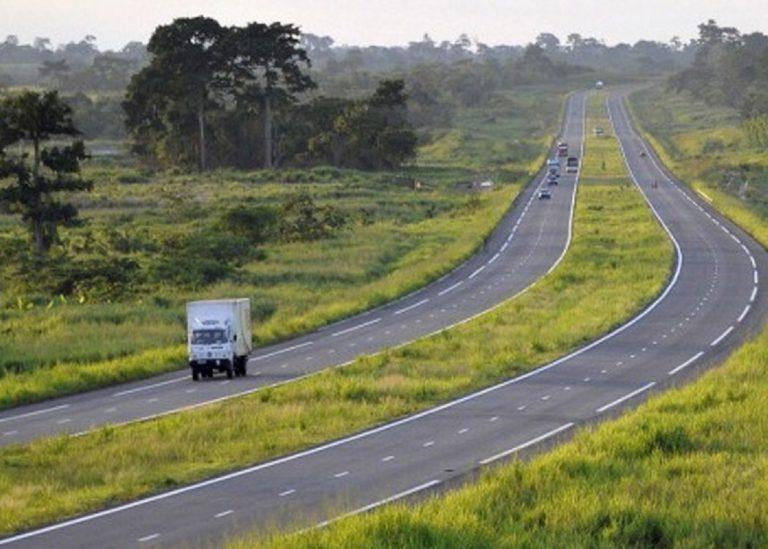 Côte-d'Ivoire: le géant tunisien du BTP Soroubat contraint de reprendre certains travaux sur l'autoroute du nord