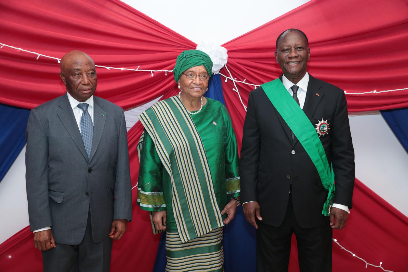 Le Chef de l'Etat a  pris part à une cérémonie d'hommage, à Monrovia, au Libéria.