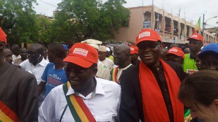 Mali : des milliers de manifestants contre le référendum:  «An Tè, A Banna, Touche pas à ma constitution »
