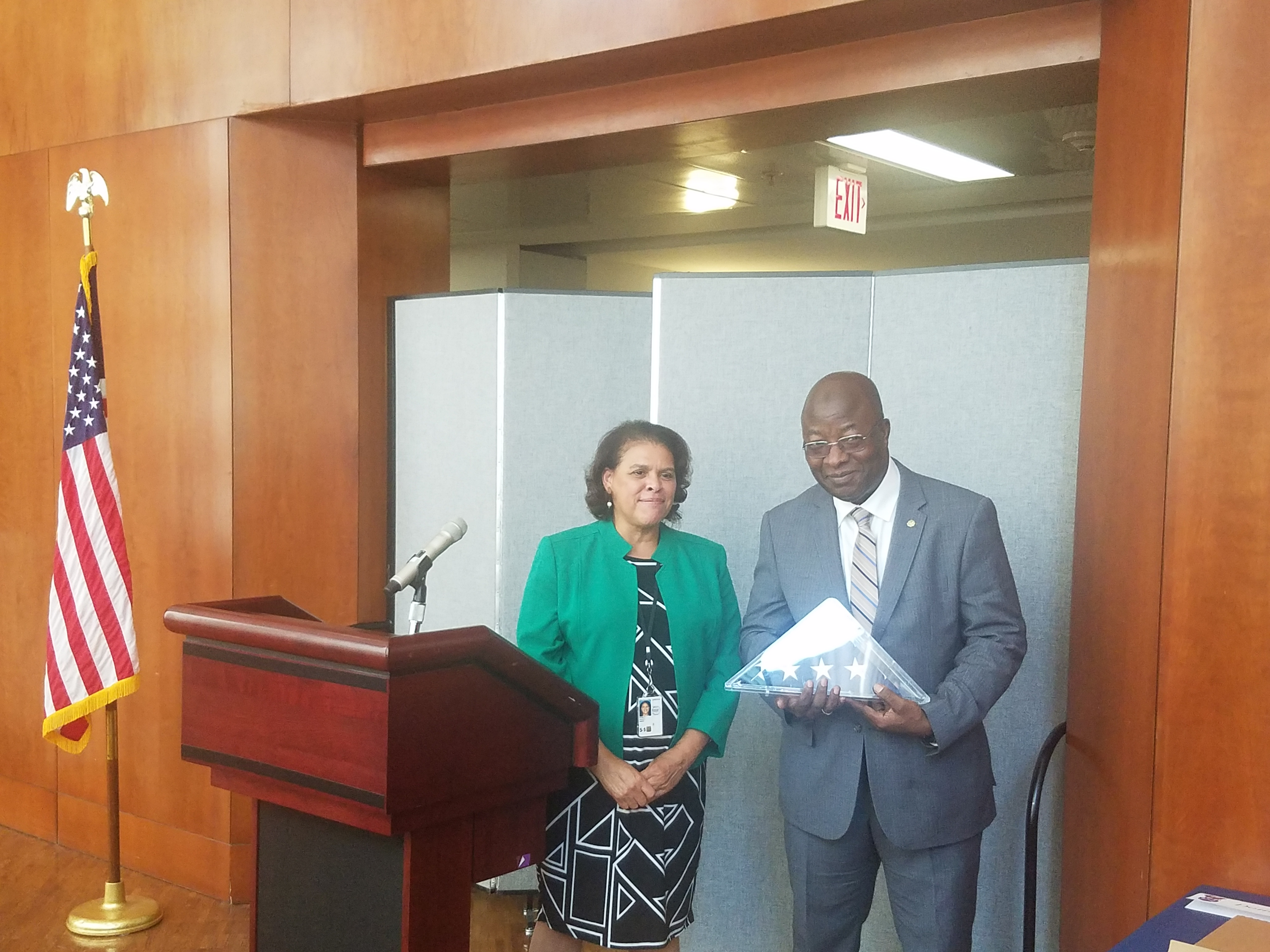 Usa : Après 31 ans de service ,le  State Department honore Balla Sidibé