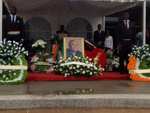 Hommage national à l'ancien ministre Dangobert Banzio