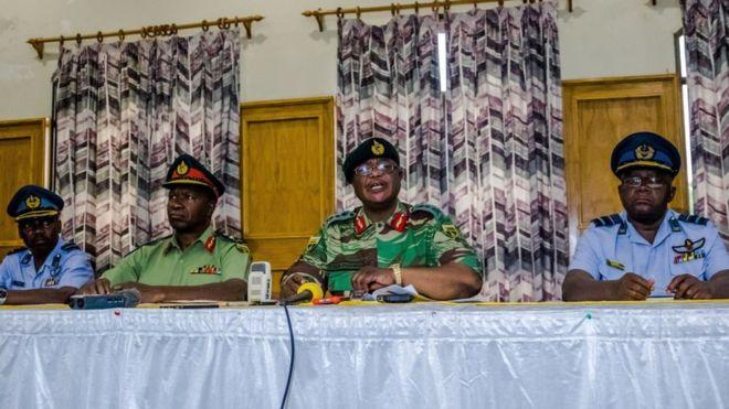 Zimbabwe : l'armée met en garde le pouvoir