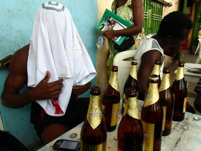 Trop c'est trop : que les Camerounais arrêtent de boire!