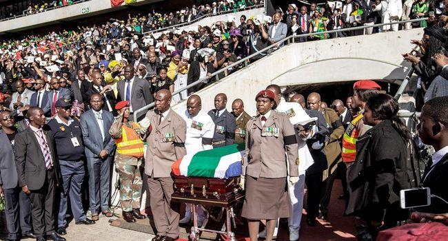 L'Afrique du Sud fait ses adieux à Winnie Mandela