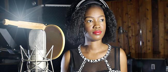 Kelly Bado : la voix ivoirienne qui charme tout le Canada