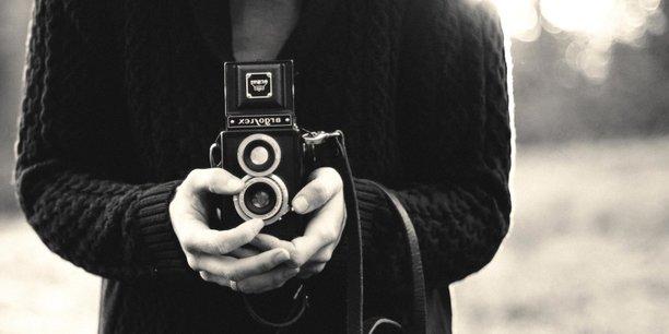 Publier une photo libre d'accès sur le net sans autorisation est maintenant interdit