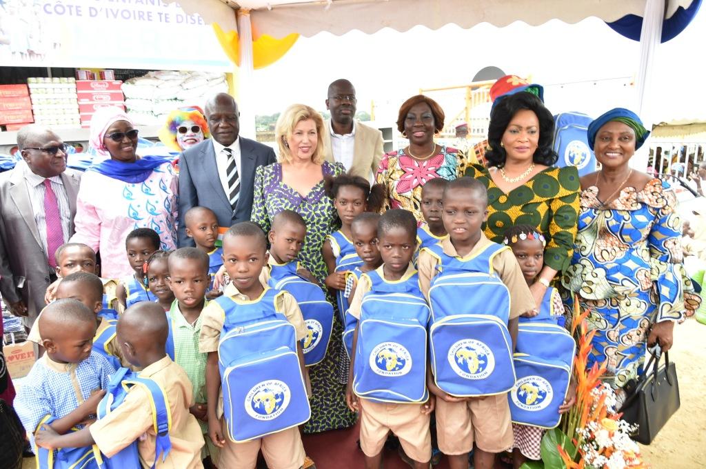 Rentrée scolaires 2018-2019:Des dons en nature et en espèce  d'une valeur de plus de 100 millions F CFA offerts aux populations