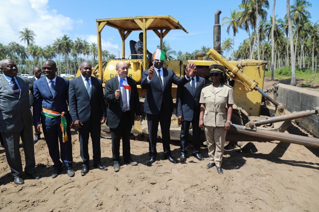Côte d'Ivoire -  Lutte antiterroriste:  Hamed Bakayoko et Jean Yves Ledrian lancent les  travaux de construction d'une académie