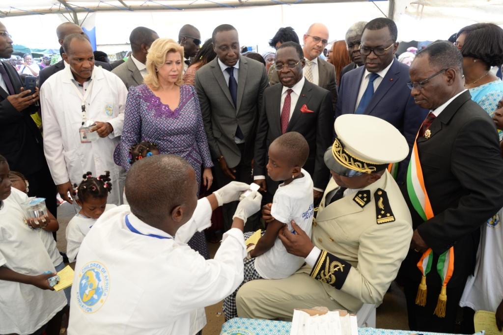 Côte d'Ivoire :Domminique Ouattara  a lancé la campagne de vaccination  contre la fièvre typhoïde