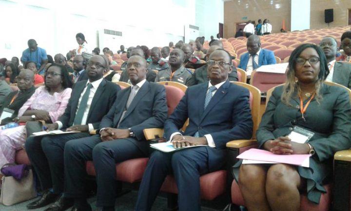 Plus de 23 000 Ivoiriens encore en exil «hésitent» à rentrer au pays (officiel)