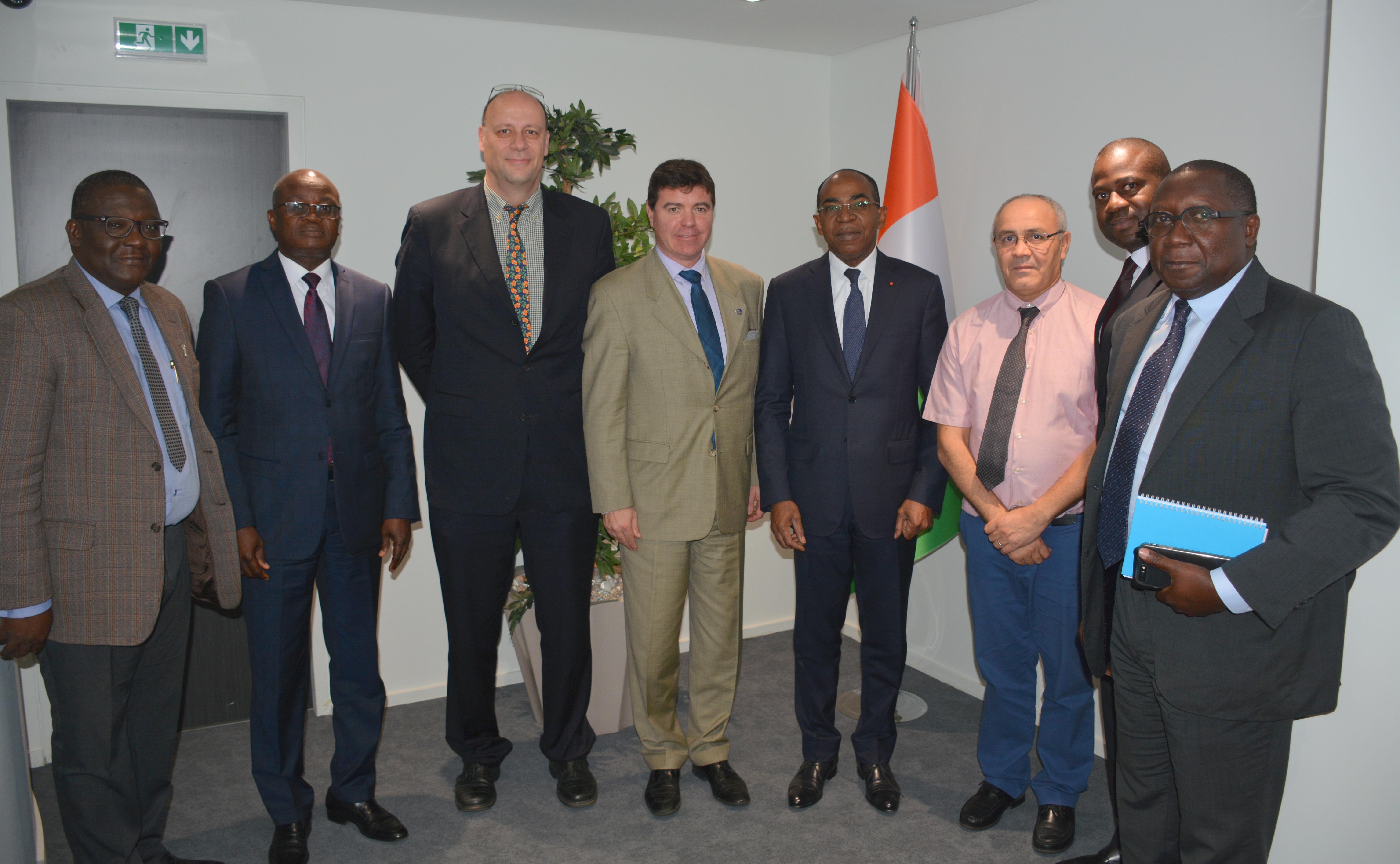 Congrès de l'Union Postale Universelle (UPU):Le Vice-Directeur Général Pascal Clivaz chez le , le Ministre Claude Isaac De