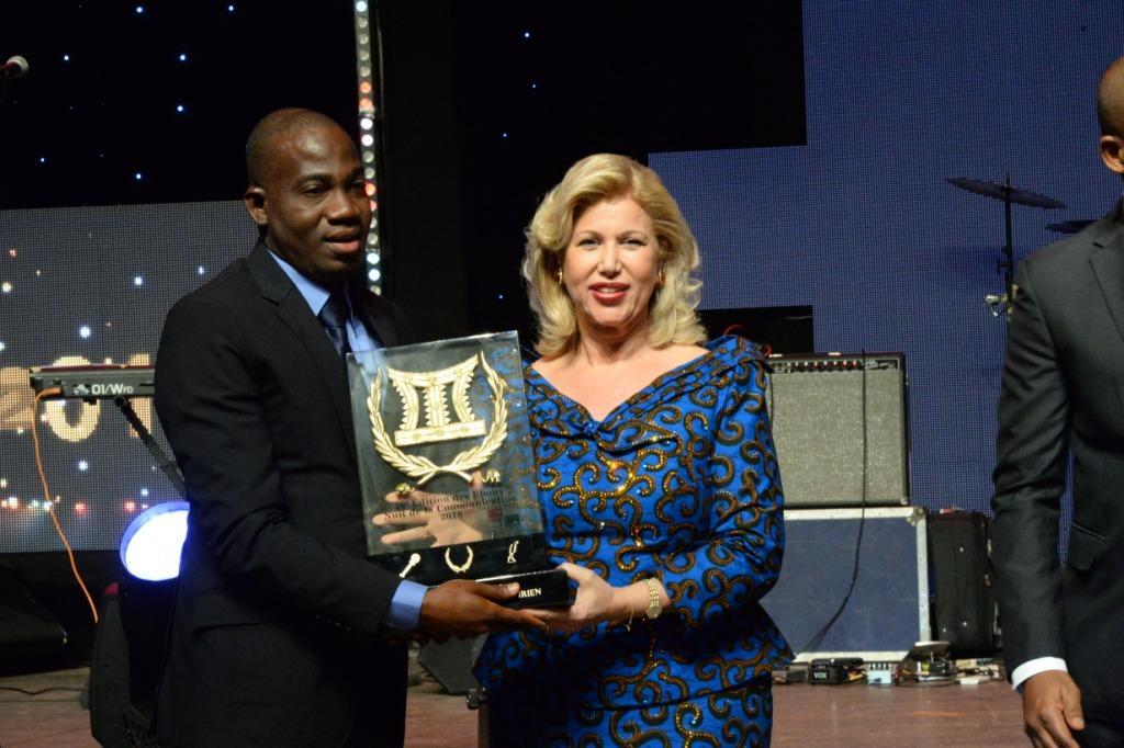 20ème édition  du Prix Ebony:Dominique Ouattara aux journalistes
