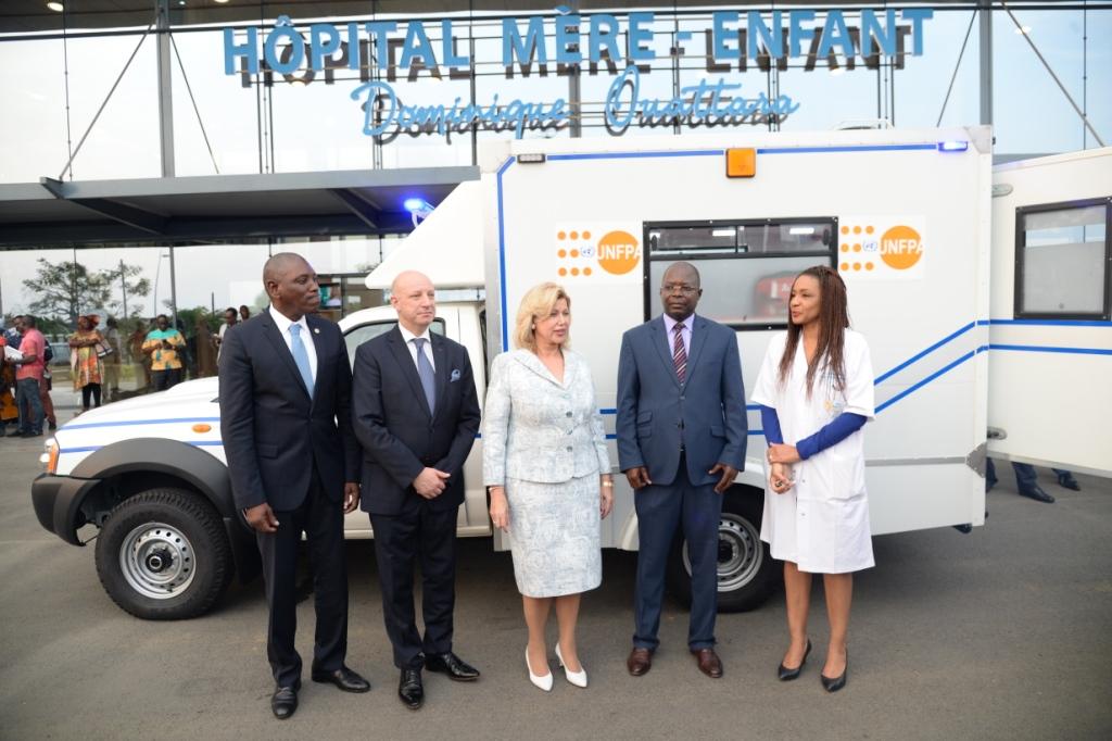 Prise en charge du couple mère-enfant:  L'UNFPA offre une ambulance à l'Hôpital Mère-Enfant de Bingerville