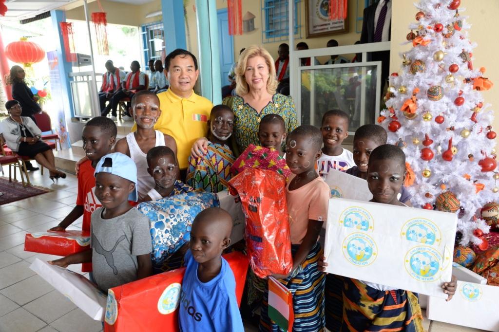 Cote d'Ivoire : L'Ambassade de Chine réhabilite des bâtiments de la Case des Enfants et fait des dons aux pensionnaires