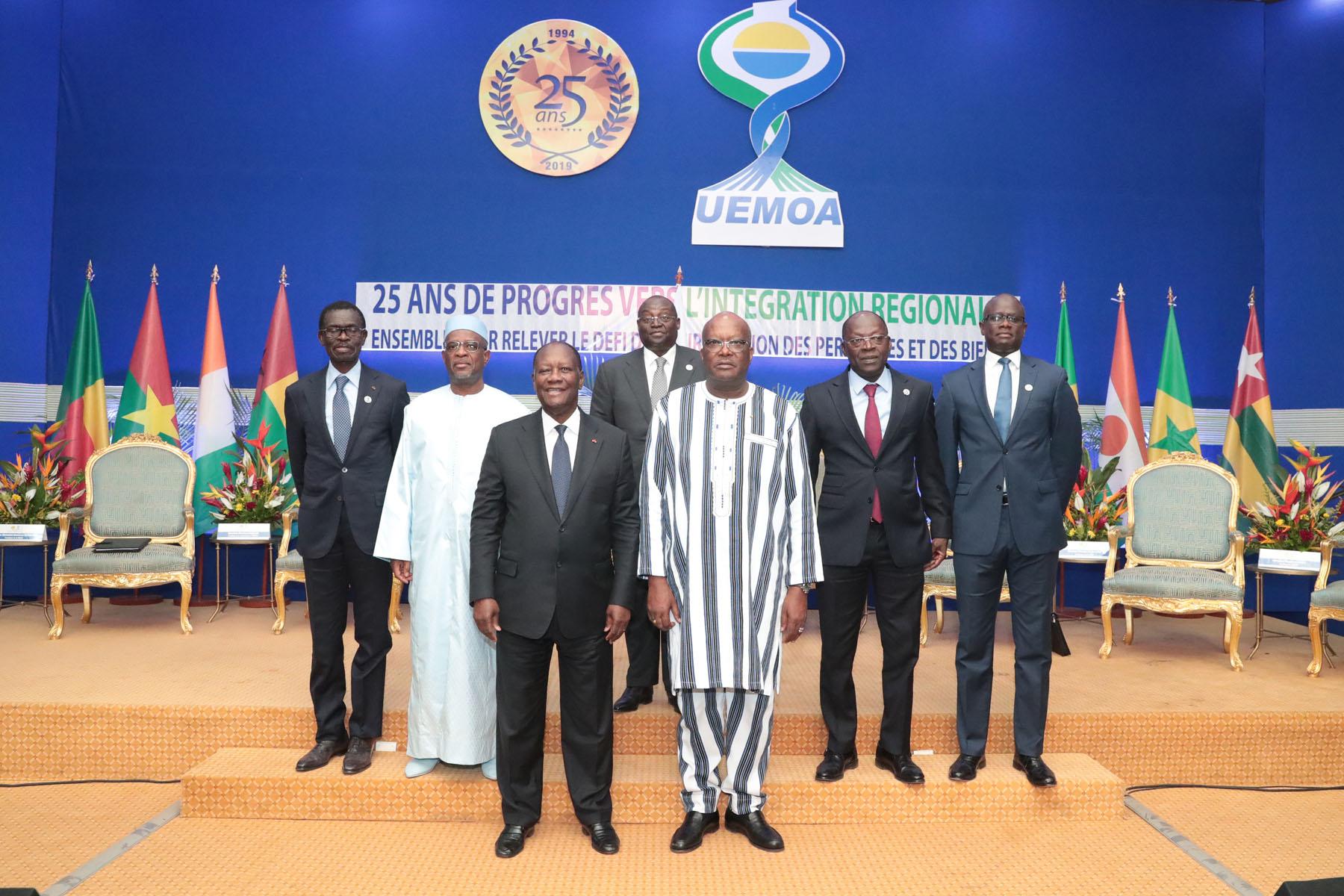 Le Chef de l'Etat a présidé la cérémonie de commémoration du 25e anniversaire de l'UEMOA, à Ouagadougou