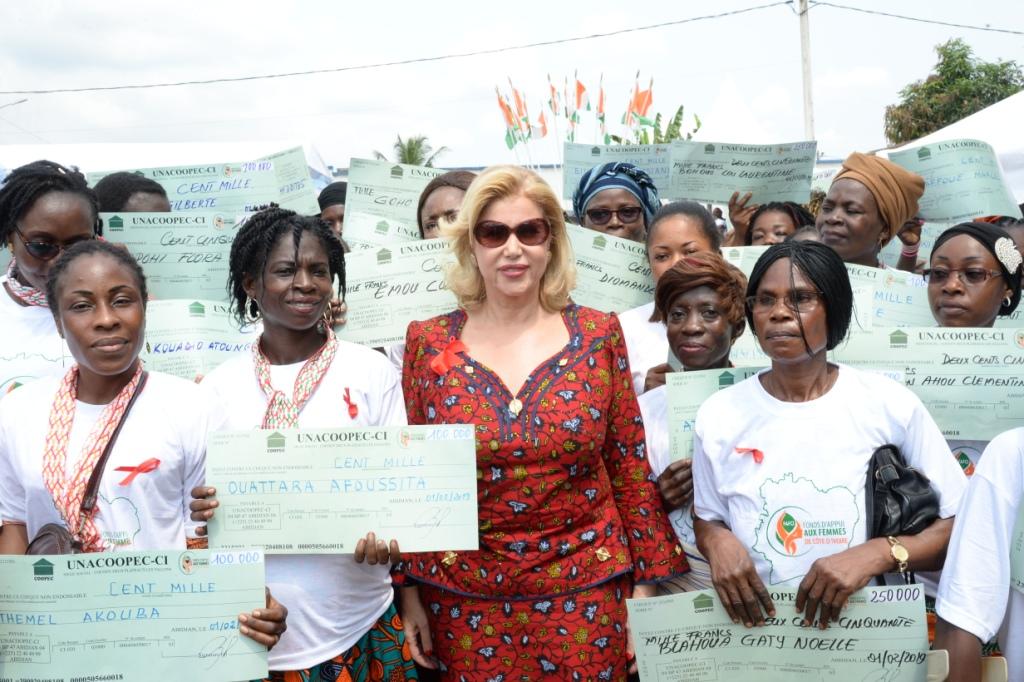 Lutte contre le VIH/SIDA  : La Première Dame finance des microprojets de femmes vivant avec le VIH