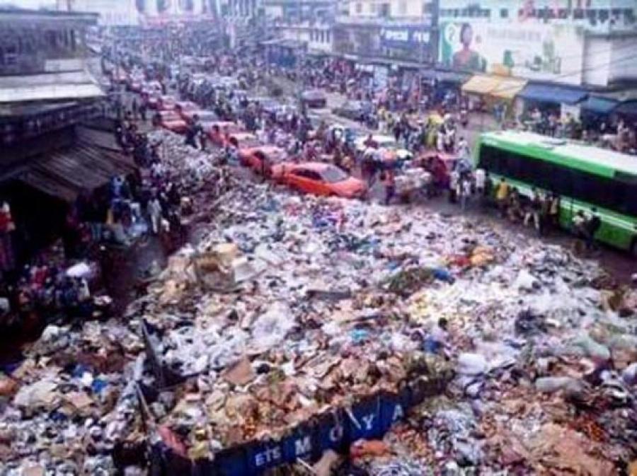 Côte d'Ivoire : Des ordures dans les rues et dans les têtes
