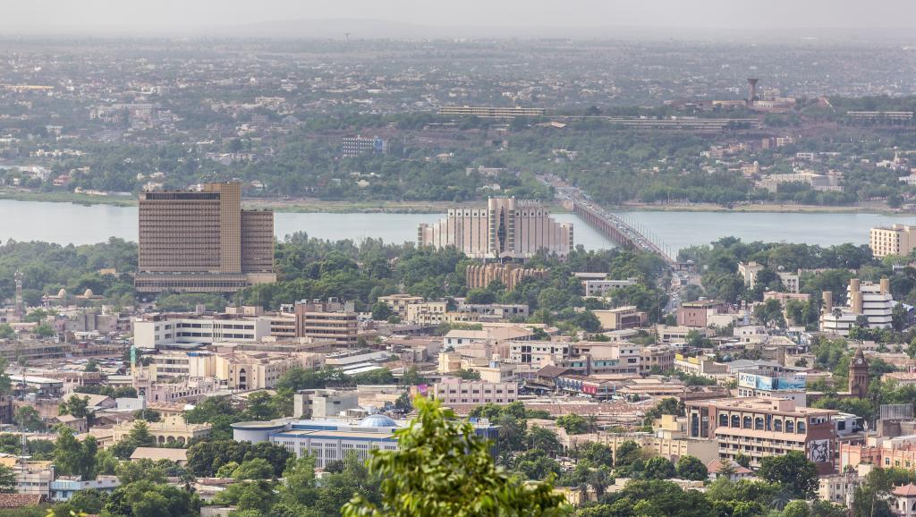 Bamako, ville des trois caïmans et des trois erreurs fatales.