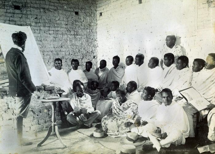 Code de l'indigénat dans les colonies : un siècle de répression