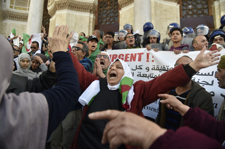 Algerie : Face aux manoeuvres du pouvoir : La résistance s'organise