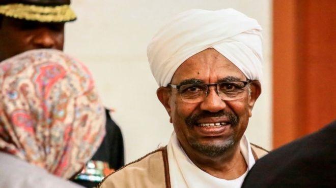 Soudan : 130 millions de dollars en liquide retrouvés chez Omar El-Bechir
