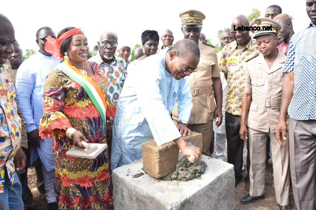 Bruno Koné offre 20 tonnes de ciments pour la construction d'un collège à Débété