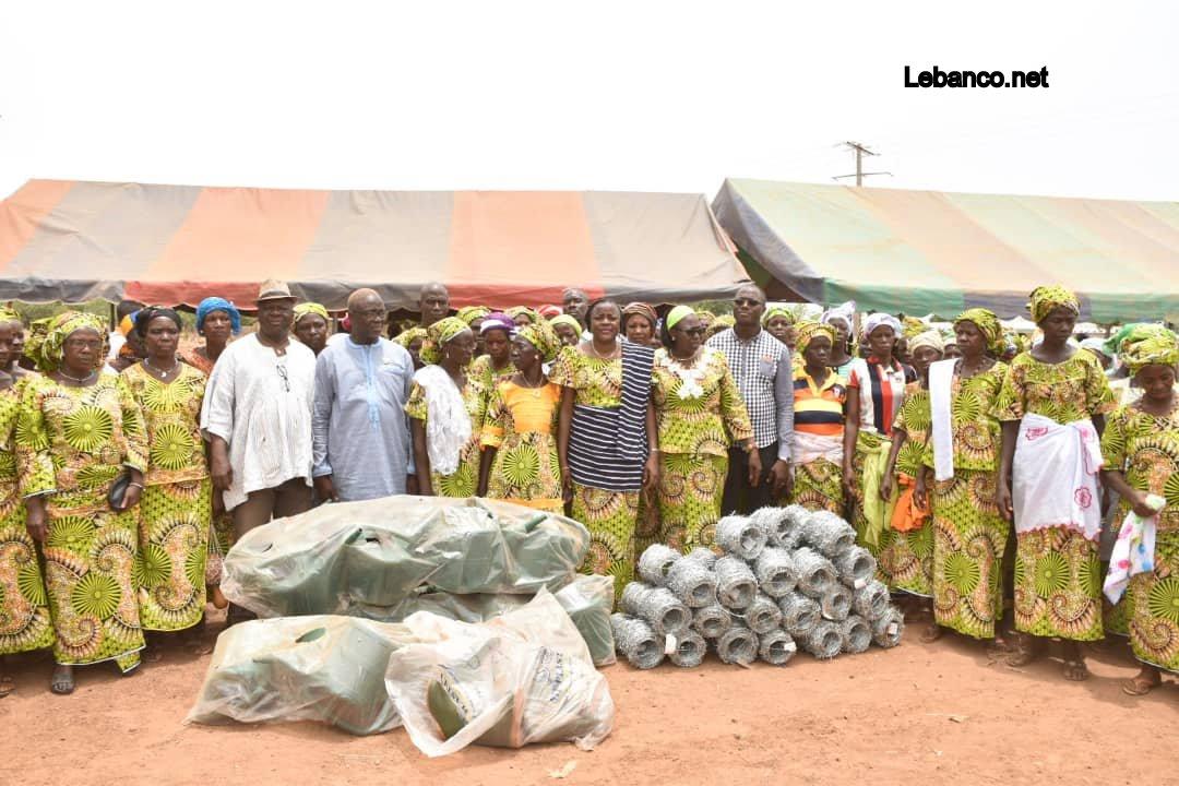 Côte d'Ivoire-Bruno Koné  proche des femmes de la Bagoué: Installation et dons à la Coopérative de Tounvré