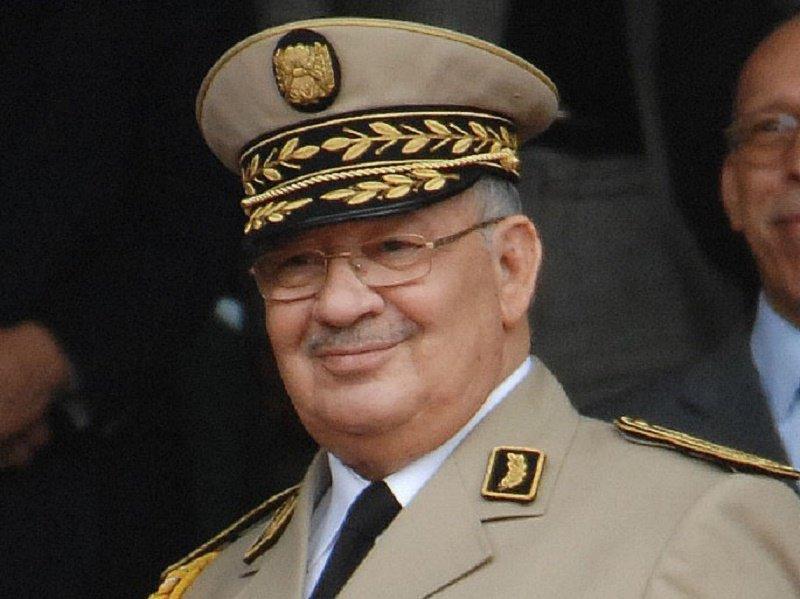 Ahmed Taleb Ibrahimi interpelle l'institution militaire : «L'armée doit écouter les propositions des élites.»