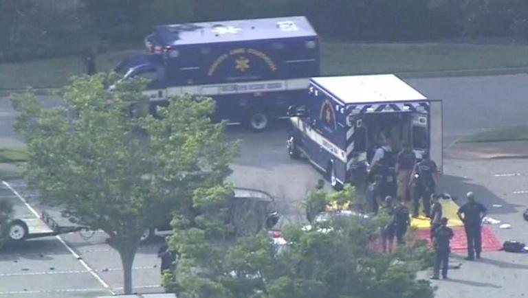 Etats-Unis : 12 morts après une fusillade dans une station balnéaire de Virginie