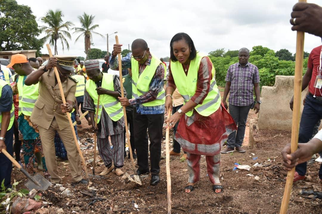 Journée de la salubrité à Kouto, Bruno Koné aux populations : «Nettoyer c'est bon, mais éviter de salir, c'est encore mieux  »