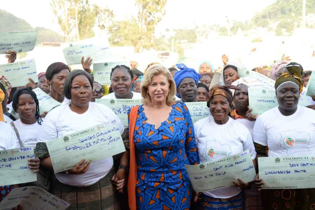 Autonomisation des femmes :La Première Dame octroie une enveloppe additionnelle de 300 millions F CFA aux femmes du Tonkpi