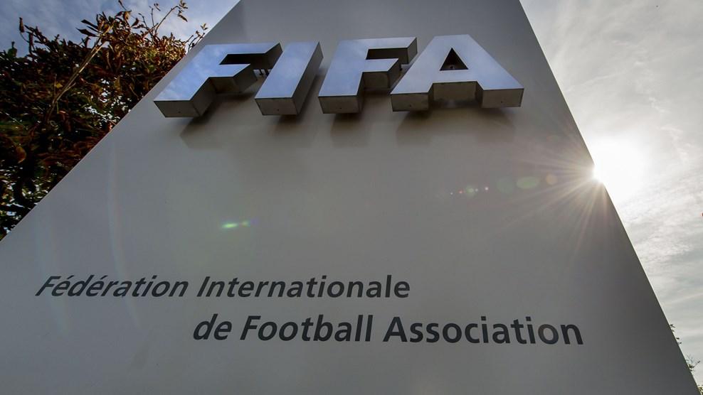 La FIFA devrait reprendre la main sur le football africain