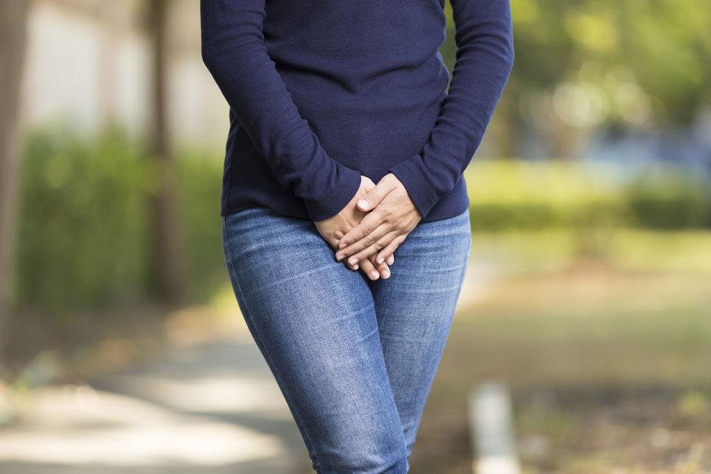 Vulvodynie : attention aux jeans trop serrés et à l'épilation intégrale !