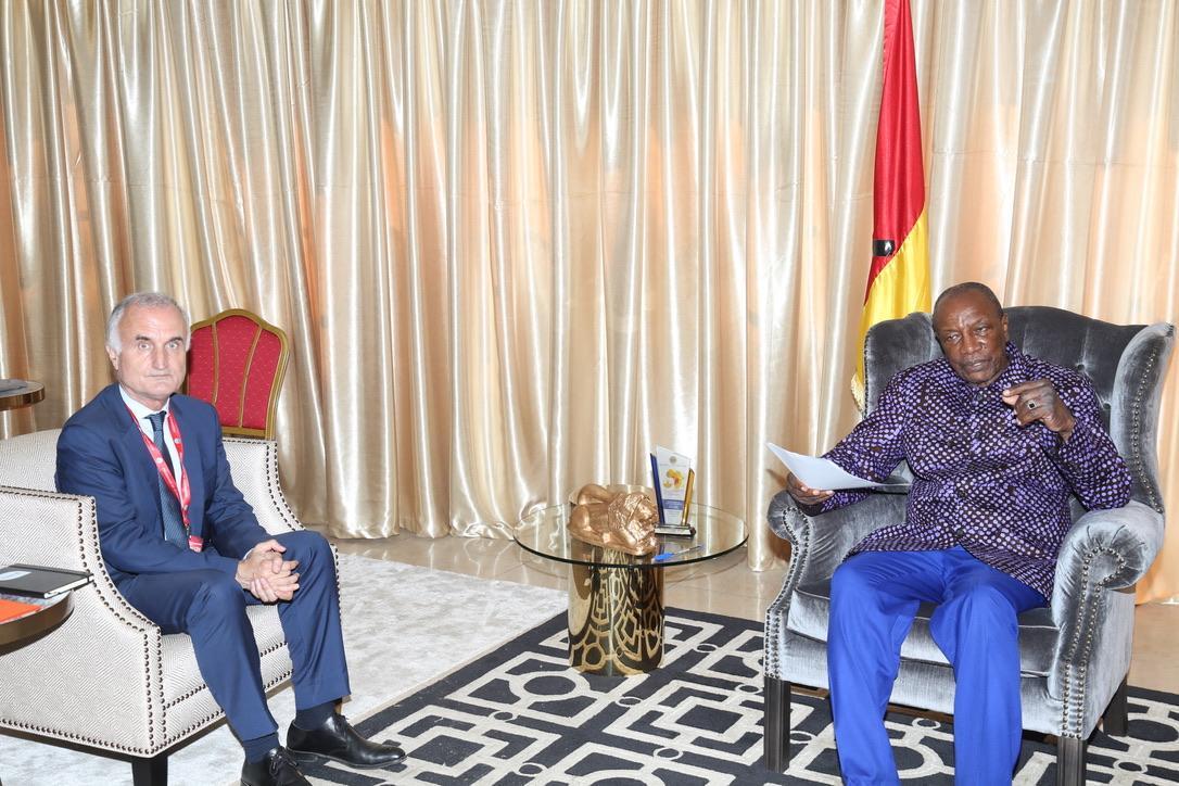 Comment développer la télévision payante en Guinée  : Le président de Canal+ à Sékhoutouréyah