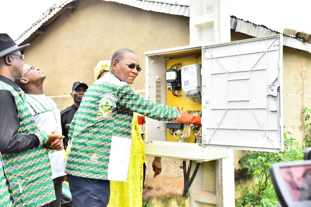 Les populations de Samorossoba et Zaguinasso reconnaissantes à Bruno Koné pour l'électrification de leurs villages