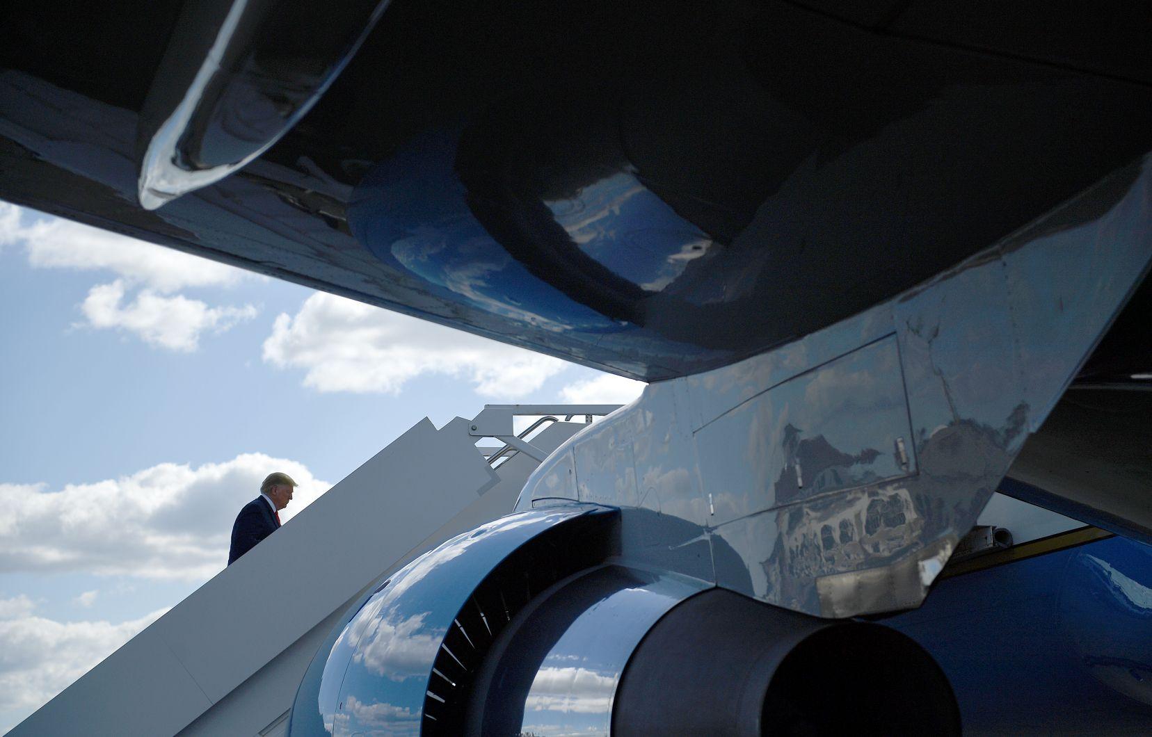 Un président instable en train de perdre pied
