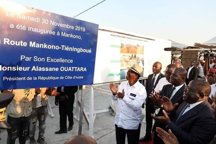 Le Chef de l'Etat a inauguré la nouvelle voie bitumée Tiéningboué - Mankono et lancé les travaux d'aménagement du tronçon Mankono - Séguéla