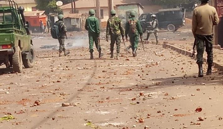 Deux morts en Guinée dans de violentes manifestations contre le troisième mandat d'Alpha Condé