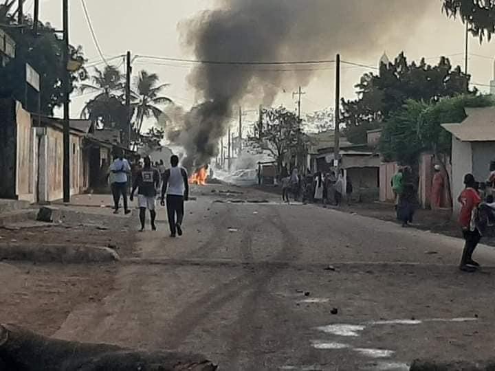 Guinée : un vote législatif et référendaire sur fond de répression et de vives contestations